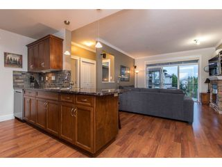"""Photo 5: 308 2068 SANDALWOOD Crescent in Abbotsford: Central Abbotsford Condo for sale in """"The Sterling 2"""" : MLS®# R2525526"""