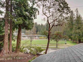 Photo 15: 1085 ROBERTS CREEK Road: Roberts Creek House for sale (Sunshine Coast)  : MLS®# R2392415