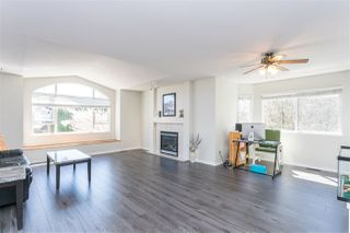 Photo 3: 23907 115A Avenue in Maple Ridge: Cottonwood MR House for sale : MLS®# R2442943