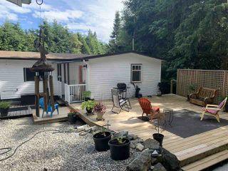 "Photo 2: 30 5288 SELMA PARK Road in Sechelt: Sechelt District Manufactured Home for sale in ""Selma Vista Park"" (Sunshine Coast)  : MLS®# R2466121"