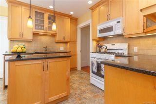 Photo 11: 2372 Zela St in Oak Bay: OB South Oak Bay Single Family Detached for sale : MLS®# 842164