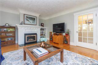 Photo 5: 2372 Zela St in Oak Bay: OB South Oak Bay House for sale : MLS®# 842164