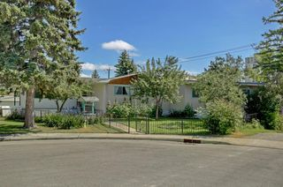 Main Photo: 3904 12 Avenue SW in Calgary: Rosscarrock Detached for sale : MLS®# A1016764