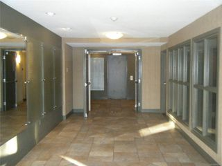 Photo 2: 302 4720 Uplands Dr in : Na North Nanaimo Condo for sale (Nanaimo)  : MLS®# 855933