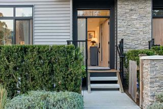 """Photo 2: 17 14057 60A Avenue in Surrey: Sullivan Station Townhouse for sale in """"SUMMIT"""" : MLS®# R2507463"""