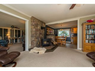 Photo 3: 6209 HOLLY Road: Agassiz House for sale : MLS®# R2388475