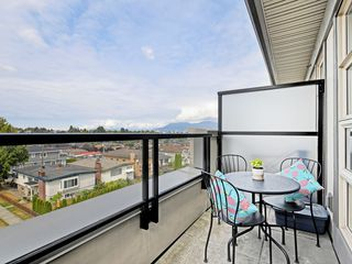 "Photo 3: 406 4550 FRASER Street in Vancouver: Fraser VE Condo for sale in ""Century"" (Vancouver East)  : MLS®# R2394359"