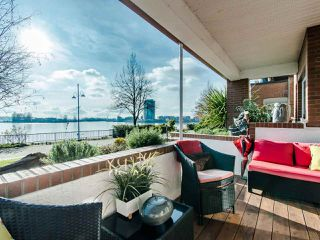 Photo 1: 103 12 K DE K Court in New Westminster: Quay Condo for sale : MLS®# R2419227