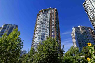 "Main Photo: 2201 583 BEACH Crescent in Vancouver: Yaletown Condo for sale in ""Park West 2"" (Vancouver West)  : MLS®# R2458419"