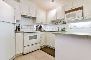 """Photo 5: 513 214 ELEVENTH Street in New Westminster: Uptown NW Condo for sale in """"Discovery Reach"""" : MLS®# R2460361"""