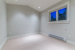 Photo 11: 1820 WOODLAND Drive in Vancouver: Grandview Woodland 1/2 Duplex for sale (Vancouver East)  : MLS®# R2483439
