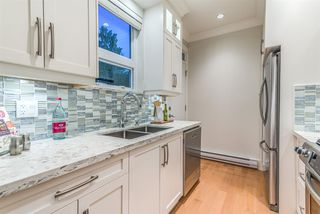 Photo 4: 1820 WOODLAND Drive in Vancouver: Grandview Woodland 1/2 Duplex for sale (Vancouver East)  : MLS®# R2483439