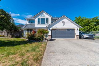 Photo 1: 34139 KING Road in Abbotsford: Poplar House for sale : MLS®# R2489865