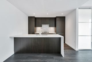 """Photo 10: 407 5383 CAMBIE Street in Vancouver: Cambie Condo for sale in """"Henry"""" (Vancouver West)  : MLS®# R2490921"""