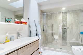 Photo 12: 815 W 14TH Avenue in Vancouver: Fairview VW Townhouse for sale (Vancouver West)  : MLS®# R2518721
