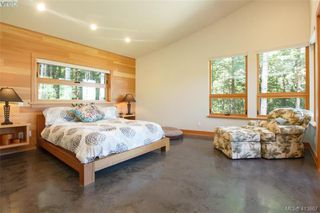 Photo 14: 1680 Hedgerow Place in NORTH SAANICH: NS Lands End Single Family Detached for sale (North Saanich)  : MLS®# 413867