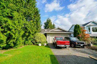 "Photo 2: 15405 93 Avenue in Surrey: Fleetwood Tynehead House for sale in ""Berkshire Park"" : MLS®# R2400475"