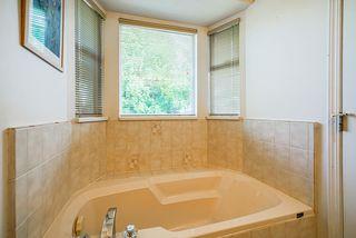 "Photo 12: 15405 93 Avenue in Surrey: Fleetwood Tynehead House for sale in ""Berkshire Park"" : MLS®# R2400475"
