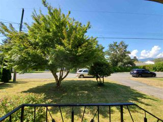 Photo 2: 9740 CARLETON Street in Chilliwack: Chilliwack E Young-Yale House for sale : MLS®# R2492691