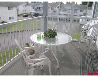"Photo 8: 32691 GARIBALDI Drive in Abbotsford: Abbotsford West Townhouse for sale in ""CARRIAGE LANE"" : MLS®# F2626920"