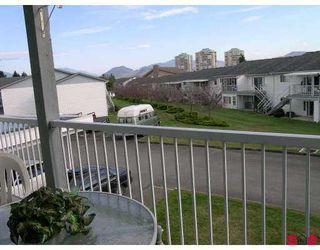 "Photo 9: 32691 GARIBALDI Drive in Abbotsford: Abbotsford West Townhouse for sale in ""CARRIAGE LANE"" : MLS®# F2626920"