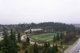 """Photo 17: 2504 280 ROSS Drive in New Westminster: Fraserview NW Condo for sale in """"CARLYLE"""" : MLS®# R2423975"""