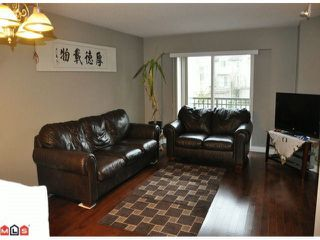 """Photo 4: 35 15450 101A Avenue in Surrey: Guildford Townhouse for sale in """"CANTERBURY"""" (North Surrey)  : MLS®# R2429895"""