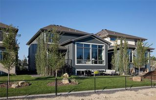 Photo 16: 334 SHAWNEE Boulevard SW in Calgary: Shawnee Slopes Detached for sale : MLS®# C4291558
