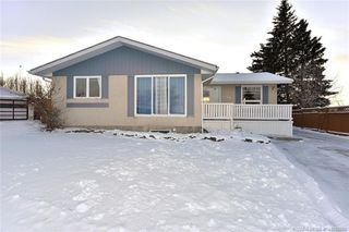 Main Photo: 36 Harvey Close in Red Deer: RR Highland Green Estates Residential for sale : MLS®# CA0192690