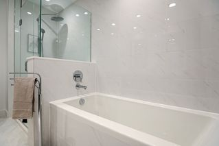"Photo 14: 101 707 E 3RD Street in North Vancouver: Lower Lonsdale Condo for sale in ""Green on Queensbury"" : MLS®# R2453734"