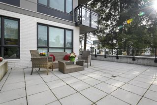 "Photo 11: 101 707 E 3RD Street in North Vancouver: Lower Lonsdale Condo for sale in ""Green on Queensbury"" : MLS®# R2453734"