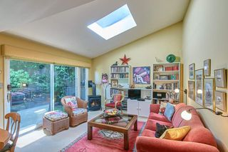 Photo 3: 1906 STEPHENS Street in Vancouver: Kitsilano Townhouse for sale (Vancouver West)  : MLS®# R2467884