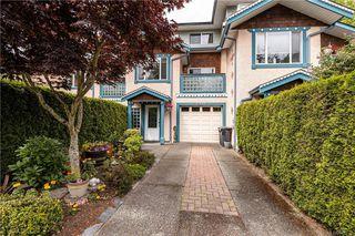 Photo 1: 2 733 Sea Terr in Esquimalt: Es Esquimalt Row/Townhouse for sale : MLS®# 841779