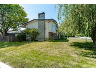 Photo 18: 46108 CLARE Avenue in Chilliwack: Fairfield Island House for sale : MLS®# R2483715