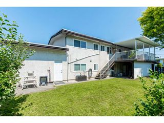 Photo 2: 46108 CLARE Avenue in Chilliwack: Fairfield Island House for sale : MLS®# R2483715