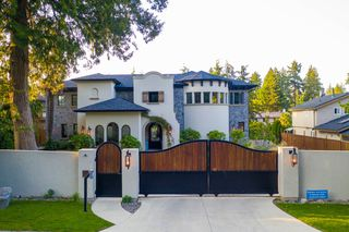 Photo 1: 5095 1 Avenue in Delta: Pebble Hill House for sale (Tsawwassen)  : MLS®# R2396283