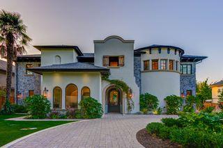 Photo 2: 5095 1 Avenue in Delta: Pebble Hill House for sale (Tsawwassen)  : MLS®# R2396283