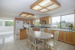 Photo 2: 26944 33 Avenue in Langley: Aldergrove Langley House for sale : MLS®# R2409006