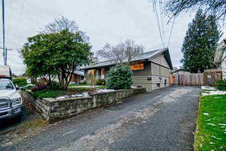 Photo 1: 33857 FERN Street in Abbotsford: Central Abbotsford House for sale : MLS®# R2428345