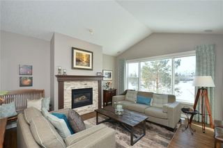 Photo 18: 2139 VIMY Way SW in Calgary: Garrison Woods Detached for sale : MLS®# C4289038