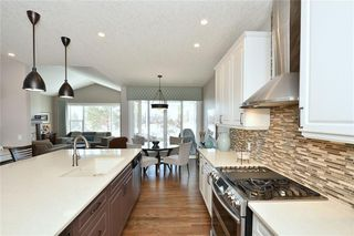 Photo 15: 2139 VIMY Way SW in Calgary: Garrison Woods Detached for sale : MLS®# C4289038