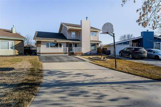 Main Photo: 23 Tiverton Bay in Winnipeg: River Park South Residential for sale (2F)  : MLS®# 202008374