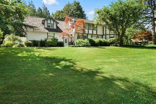 Photo 2: 17434 28A Avenue in Surrey: White Rock House for sale (South Surrey White Rock)  : MLS®# R2477517
