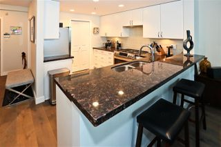 "Photo 10: 305 1428 W 6TH Avenue in Vancouver: Fairview VW Condo for sale in ""THE SIENA AT PORTICO"" (Vancouver West)  : MLS®# R2488579"