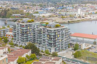 Photo 2: 504 373 Tyee Rd in : VW Victoria West Condo for sale (Victoria West)  : MLS®# 855121