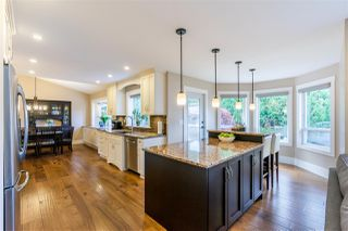"""Photo 3: 21009 85A Avenue in Langley: Walnut Grove House for sale in """"MANOR PARK"""" : MLS®# R2515595"""