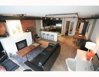 Photo 3: 207 27 Alexander Street in Vancouver: Downtown VE Condo for rent (Vancouver West)
