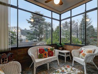Photo 6: 403 2910 COOK St in : Vi Mayfair Condo for sale (Victoria)  : MLS®# 861601