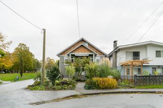 Photo 15: 4206 BEATRICE Street in Vancouver: Victoria VE House for sale (Vancouver East)  : MLS®# R2412555
