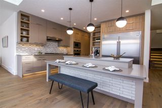Photo 8: 2040 90 Street in Edmonton: Zone 53 House for sale : MLS®# E4186070